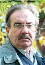 Известный писатель, литературовед, профессор Литературного института имени  А.М. Горького Сергей Казначеев рассказывает о своём новом романе. f54ff494297