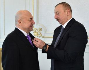 Москва–Баку: достлуг