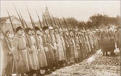 Женский революционный отряд ЧОН. Петроград. 1919; Виктор БУЛЛА