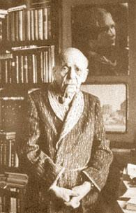 Александр Карзанов (в «ЛГ» с 1975 по 2007 год). Поэт Павел Антокольский.