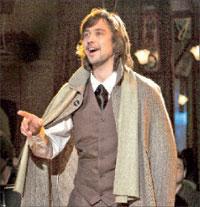 В роли Чехова очень похожий на него артист Иван Голев (особенно если пострижётся); Евгений ЛЮЛЮКИН