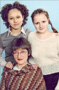 Анна Мехед со своими ученицами