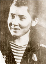 Ольга Васильева, краснофлотец-снайпер 322-го батальона морской пехоты;   Фото из музея школы № 6 г. Туапсе