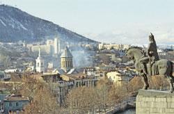 Тбилиси. Памятник основателю города Вахтангу Горгасалу;  РИА «Новости»