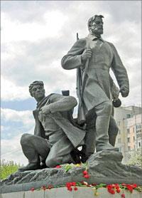 Фрагмент памятника воинской и партизанской славы, Брянск