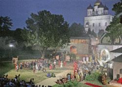 Лучших декораций к «Псковитянке» и представить себе невозможно;  Дамир ЮСУПОВ (Большой театр)