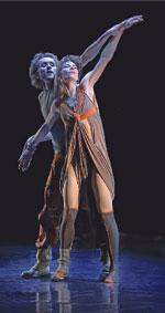 Мария Александрова и Дмитрий Гуданов в премьере Сергея Землянского Le deux genres;  Светлана ПОСТОЕНКО