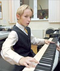 Даня Лисиченко (фортепиано)