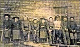 Учащиеся гимназии на отдыхе, начало XX века